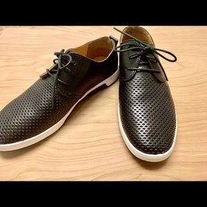 Size 9 merkmak men's dress shoes